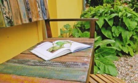 Ruhezonen im Garten, Gartengestaltung, Gartenbank,