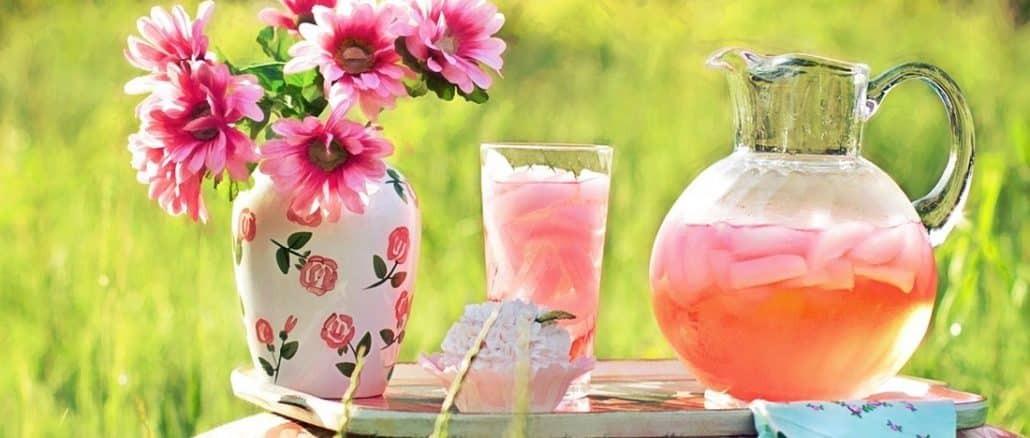 Sommer, leichte Drinks ohne Alkohol sind gefragt