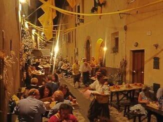 In der Taverne Lon D´Oro Rione Cassero, Quintana Foligno, traditionelle Gerichte, Italien Urlaub
