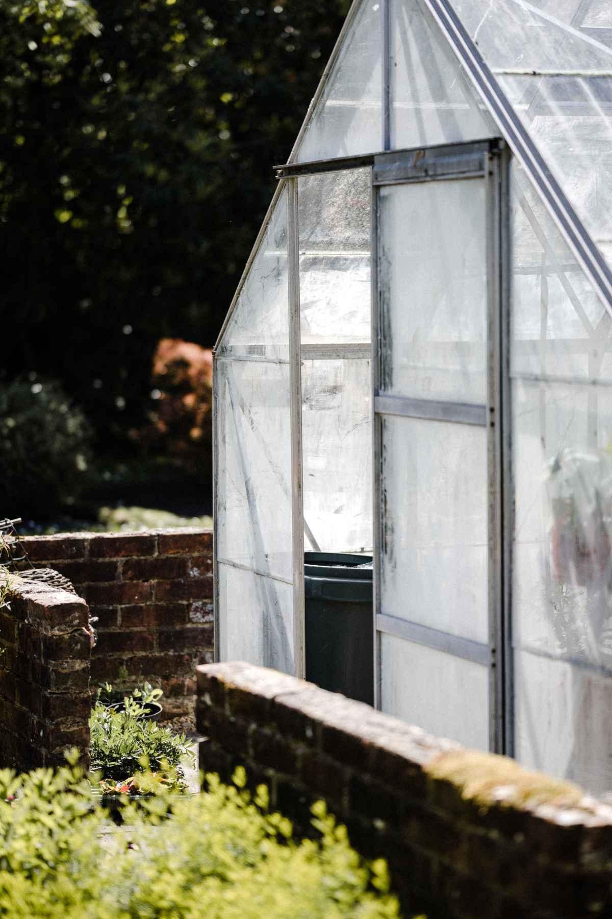 Gartengestaltung Ideen, englisches Gewächshaus, Garten Magazin